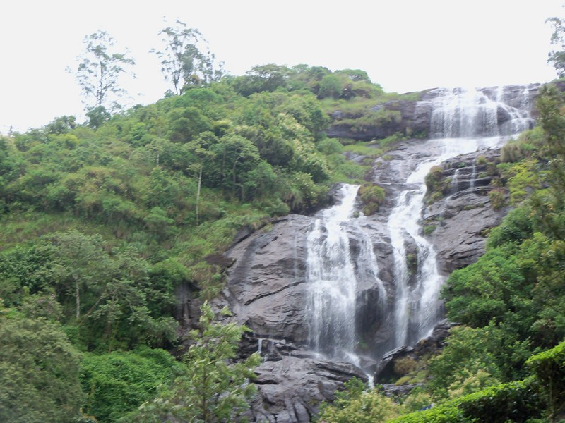 chinnakanal-waterfalls-munnar